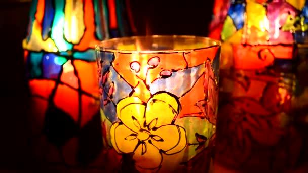 festett ólomüveg vitrázs, gyertya belsejében szemüveg