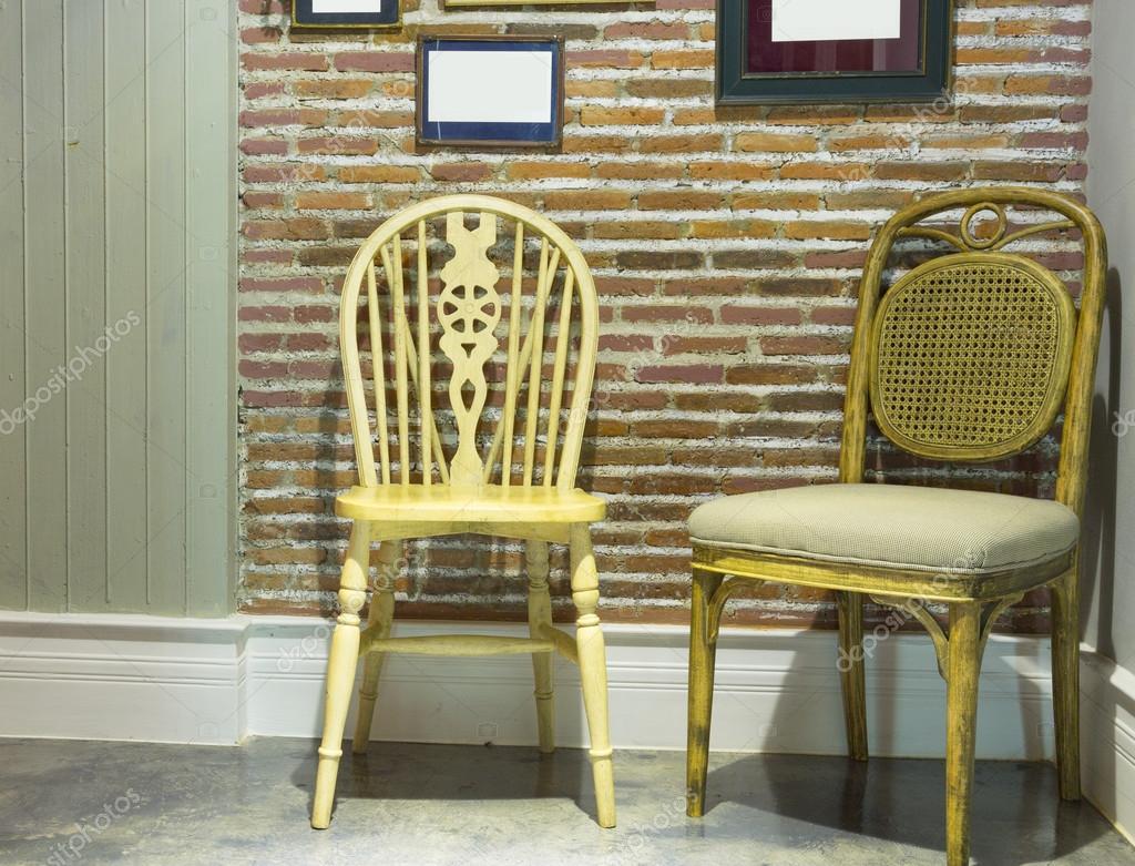 Houten Stoel Vintage.Vintage Houten Stoel In Vintage Rome En Huis Stockfoto