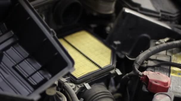 Výměna vzduchového filtru na auto čerpací stanice