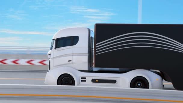 Bílý vůz kolem černé Suv na dálnici