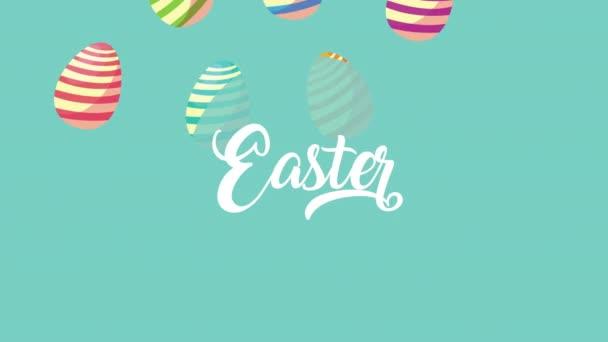 Frohe Ostern Schriftzug mit bemalten Eiern