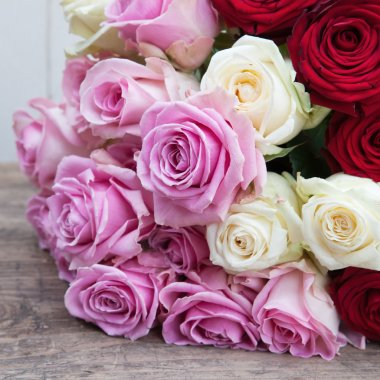 Rose bouquet with pink, white and red roses