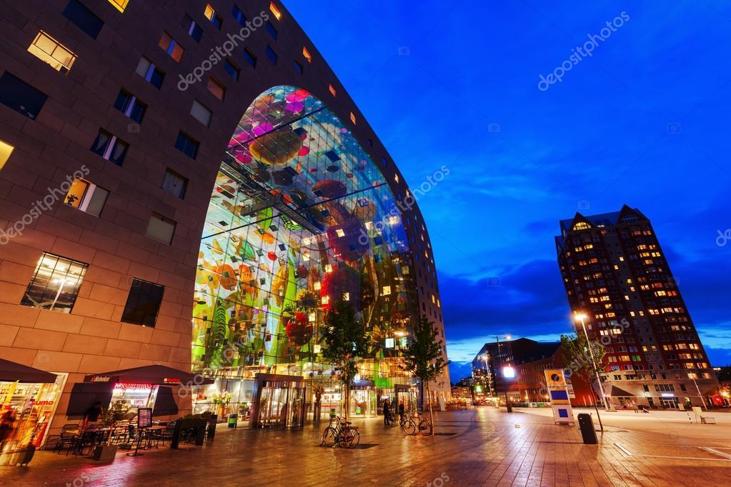 modernen markthalle in rotterdam niederlande in der nacht redaktionelles stockfoto. Black Bedroom Furniture Sets. Home Design Ideas