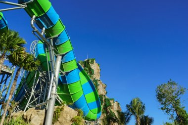 Huge Jungle Water Tube Slides in water theme park look exiting and are perfect attractions for both young and adults during holidays. Visitors and tourists enjoy the curves and speed while playing