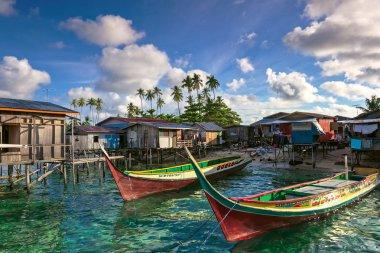 Sea gypsy boats moor