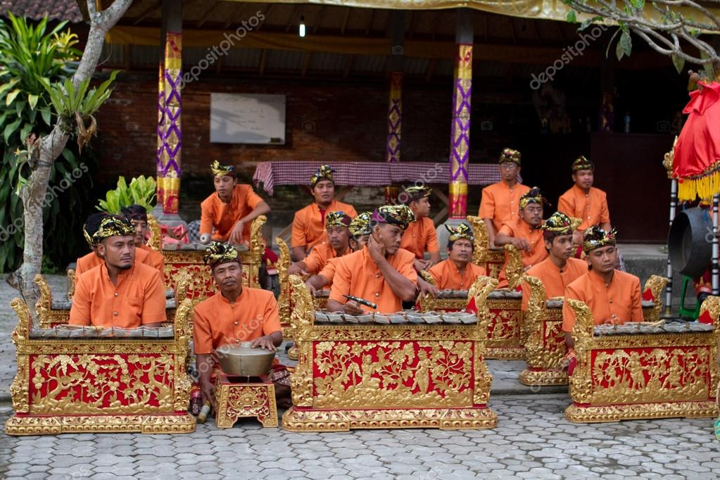 bali gamelan performance essay Gamelan sekar jaya music and dance of bali member the musicians of gamelan sekar jaya play on various types of particularly when a performance.
