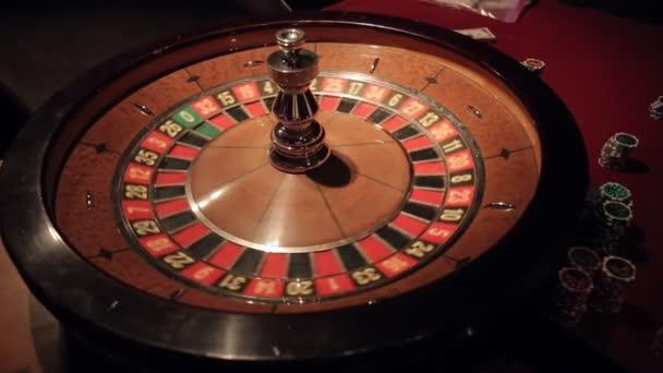 Gambling casino ruleta spinning míč přistane na číslo 11. Sekvence 2 zastřelil