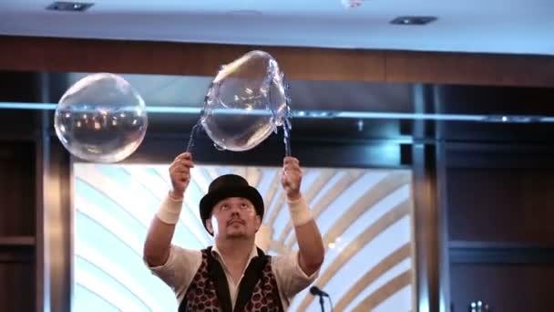 Bubble show na festivalu