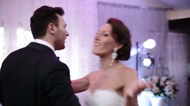Az első tánc tánc esküvő házaspár newlywed szerető