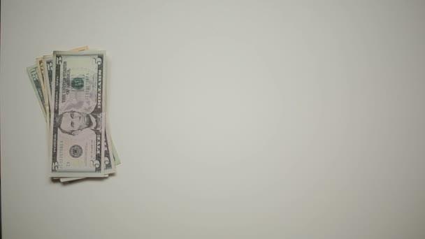 peníze a kreditní karty
