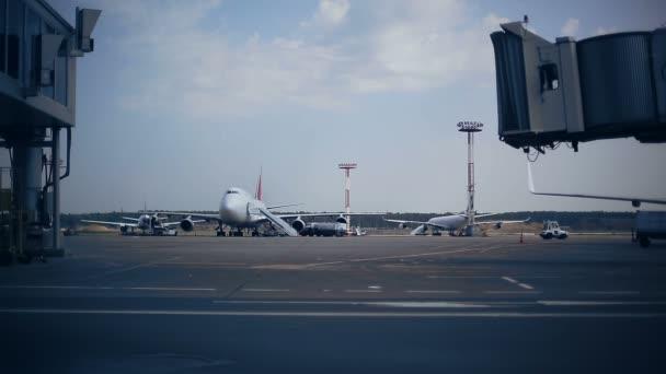 Načítání zavazadla brány letiště