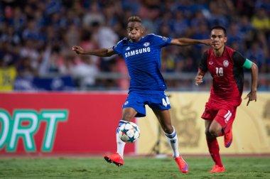 Charlie Musonda (L) of Chelsea in action