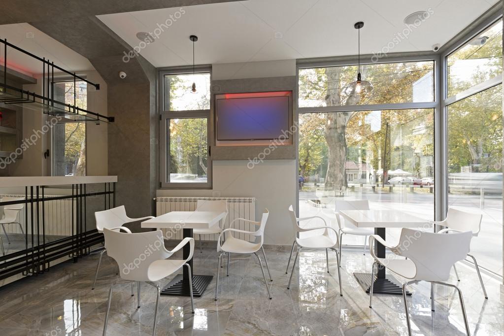 Interieur van een moderne café u2014 stockfoto © rilueda #100556472