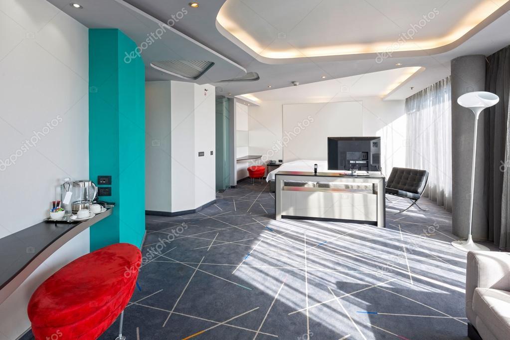 Hotel Di Lusso Interni : Interno di un appartamento di hotel di lusso con luce solare u2014 foto