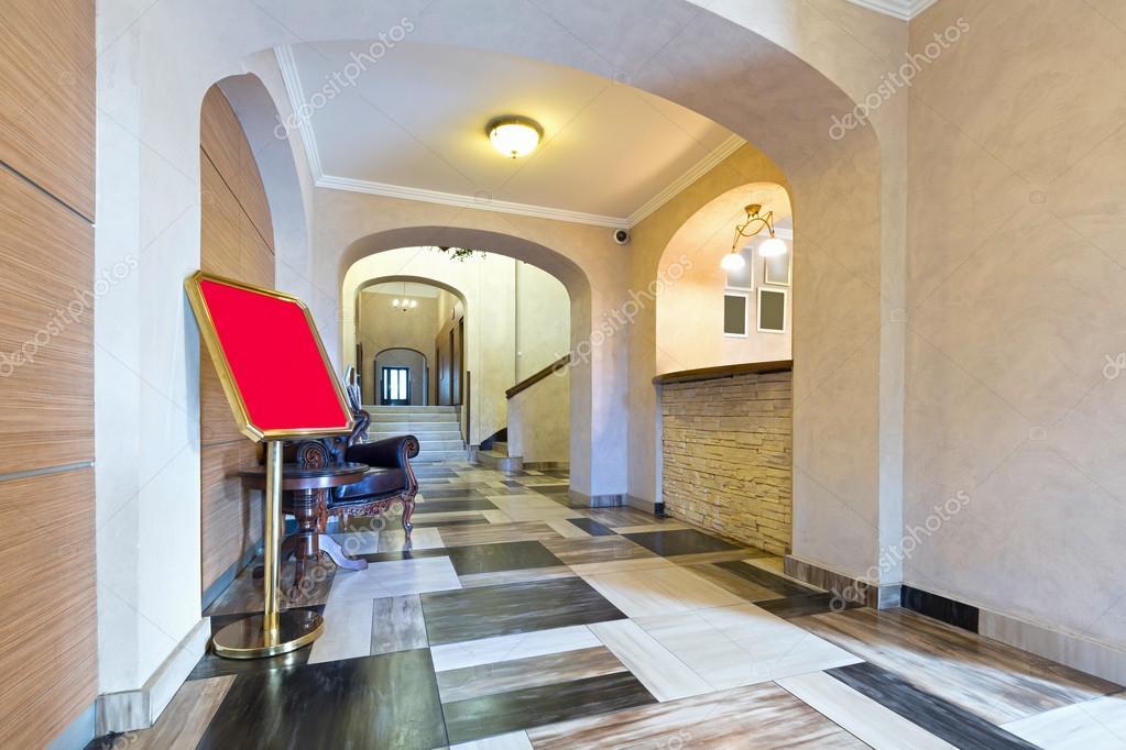 Hotel Interieur, Eingangsbereich Rezeption — Stockfoto © rilueda ...