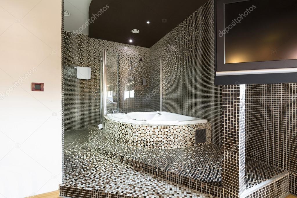 bagno moderno con vasca idromassaggio ? foto stock © rilueda ... - Bagni Moderni Con Vasca