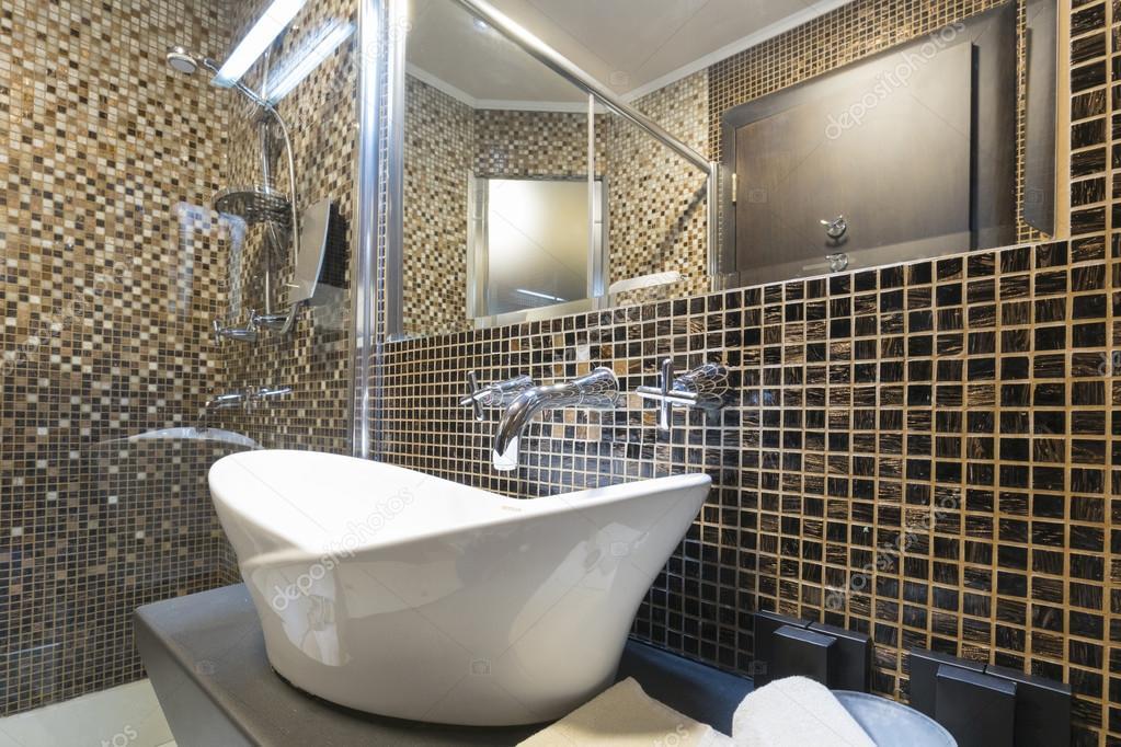Innere von einem modernen Hotel-Badezimmer — Stockfoto © rilueda ...