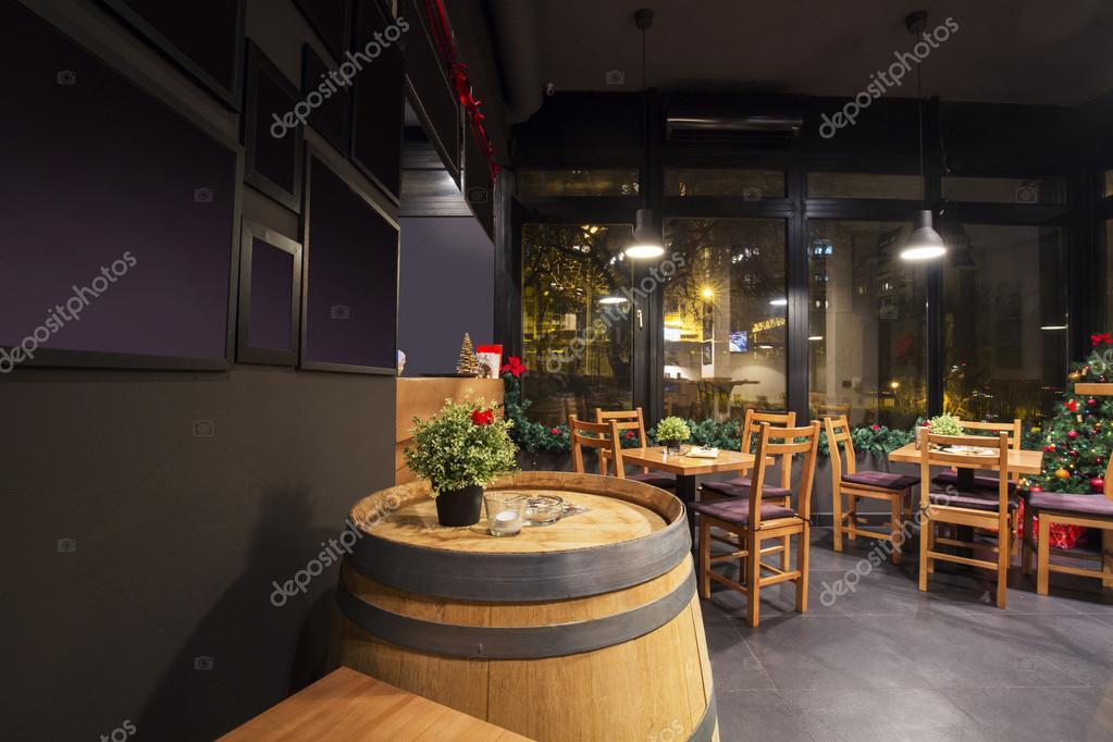 Interno di un moderno wine bar foto stock rilueda for Interno moderno