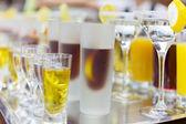 Italokat, az étteremben kész kell kézbesíteni