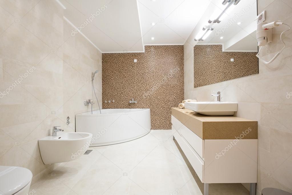 Parla l esperto le regole d oro per arredare un bagno