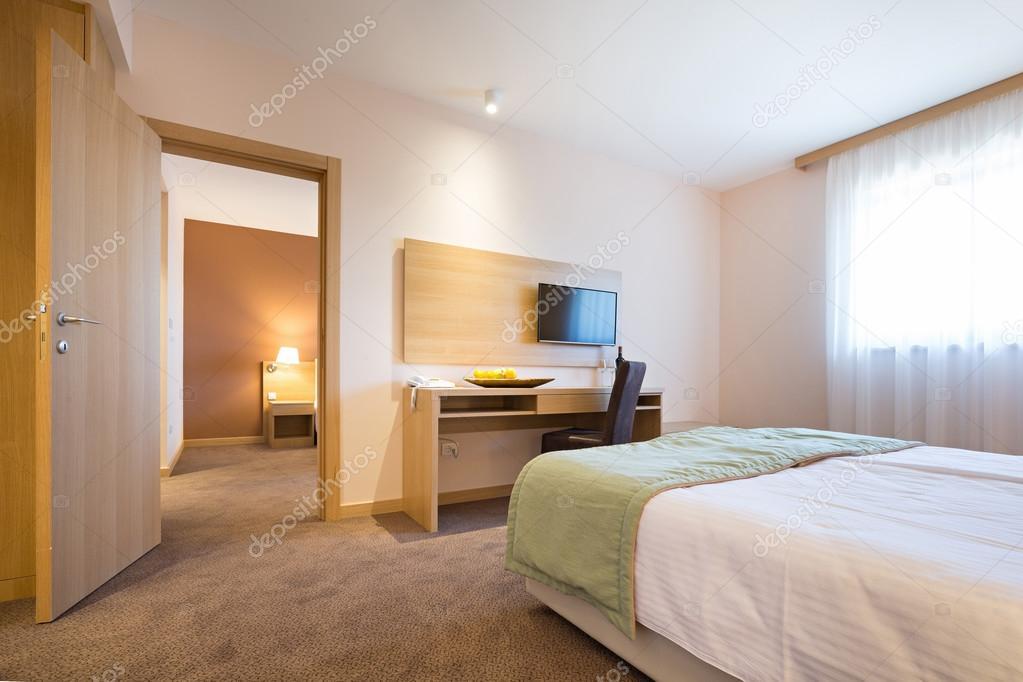 Modern mooi hotel slaapkamer interieur — Stockfoto © rilueda #124413712