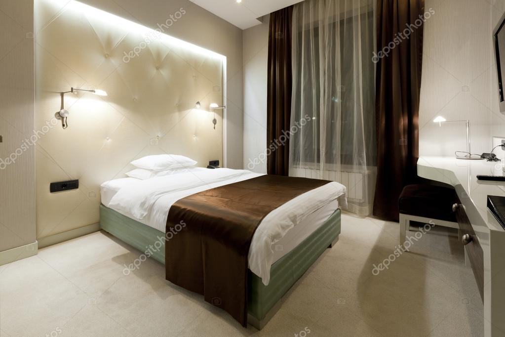 luxe hotel slaapkamer stockfoto