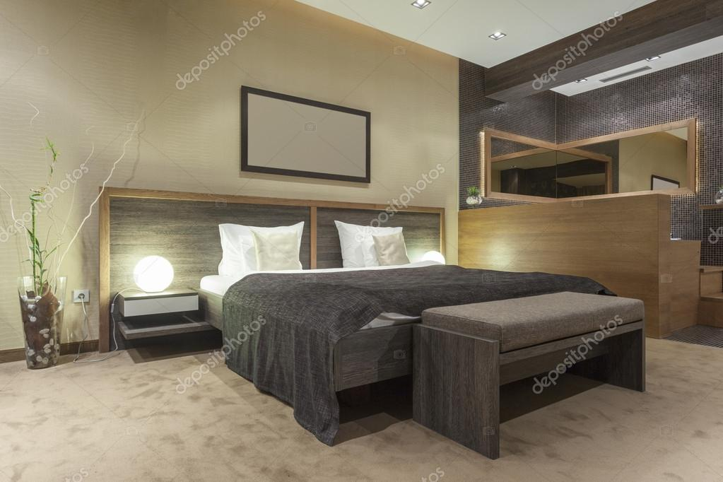 Moderne slaapkamer met open badkamer — Stockfoto © rilueda #55069975