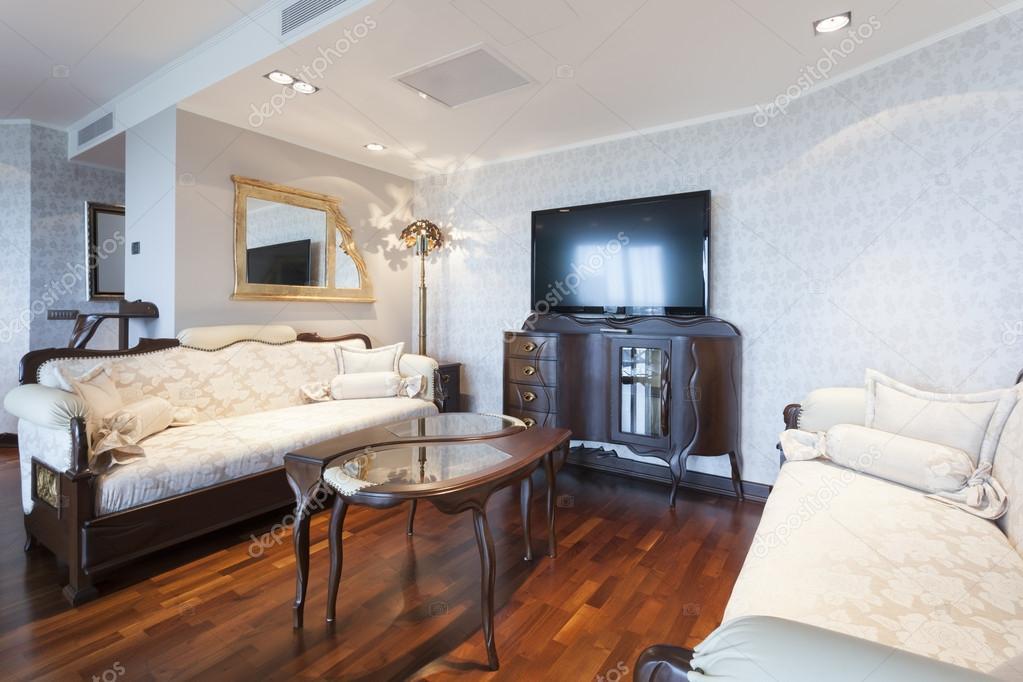 Interieur Klassieke Stijl : Interieur in klassieke stijl woonkamer u stockfoto rilueda