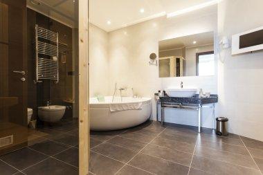 """Картина, постер, плакат, фотообои """"интерьер современной просторной ванной комнаты зеркало раме зеркала настенное круглые напольное рамы"""", артикул 60035213"""