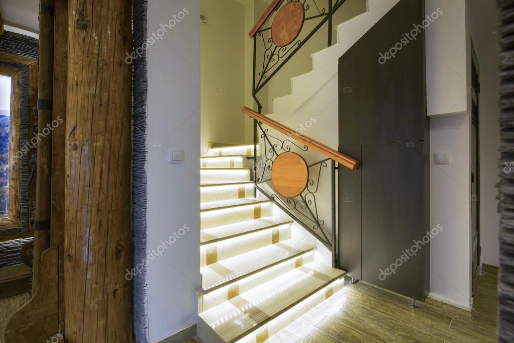 Trap met led verlichting in het hotel — Stockfoto © rilueda #65686177
