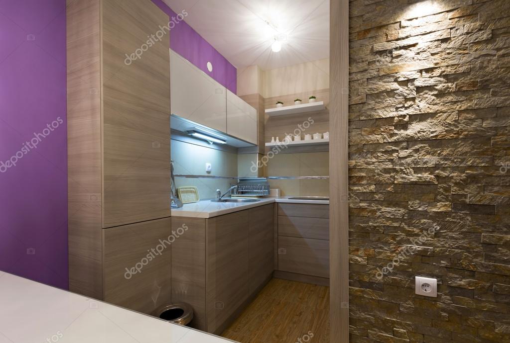 Keuken Modern Kleine : Kleine keuken in modern appartement u stockfoto rilueda