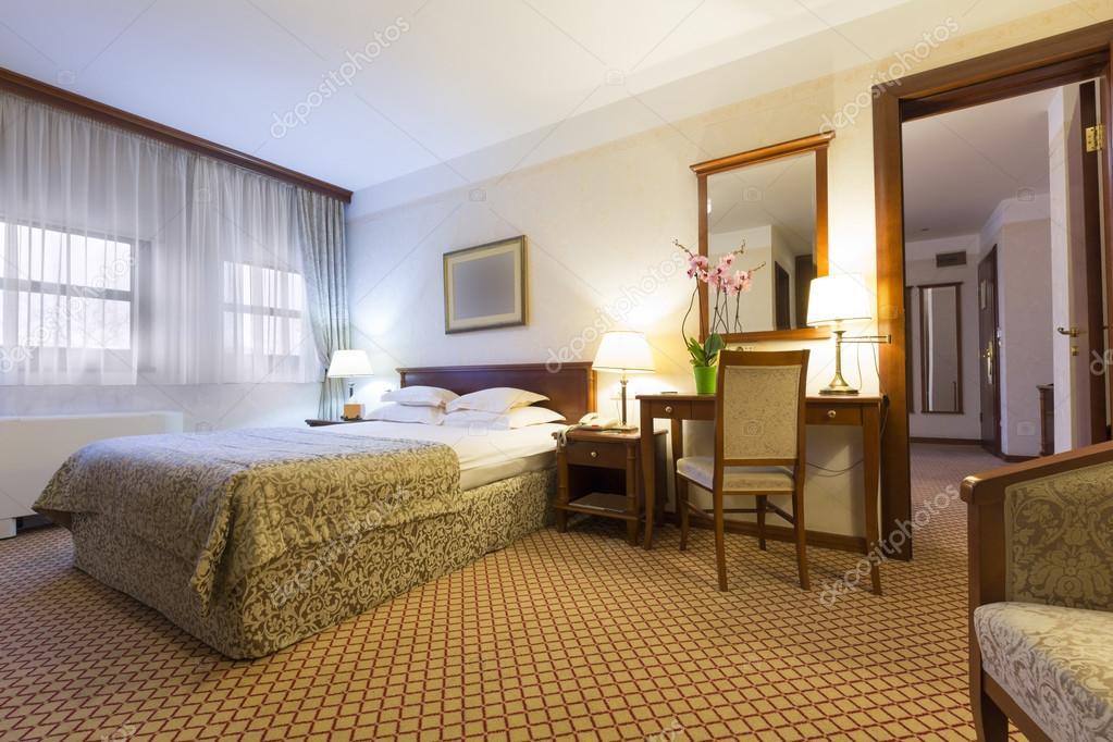 Interieur Klassieke Stijl : Interieur in klassieke stijl hotel kamer u stockfoto rilueda