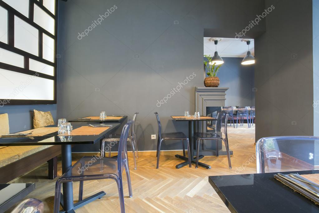 https://st2.depositphotos.com/3386033/7409/i/950/depositphotos_74098711-stockafbeelding-modern-aziatisch-restaurant-interieur.jpg