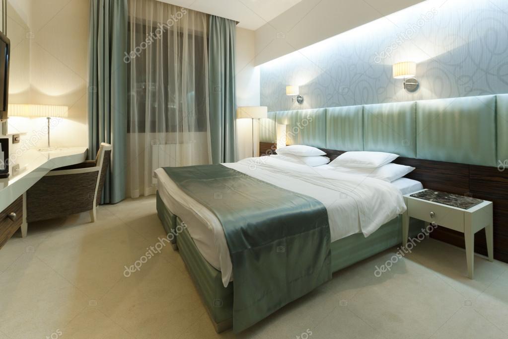 Stanze Da Letto Bellissime : Interni di belle camere da letto u foto stock rilueda