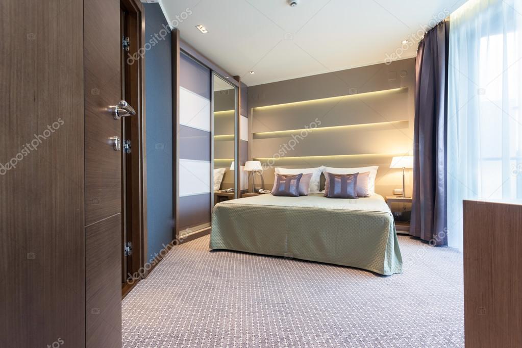 Moderne Schlafzimmer Einrichtung Von Tur Erschossen Stockfoto