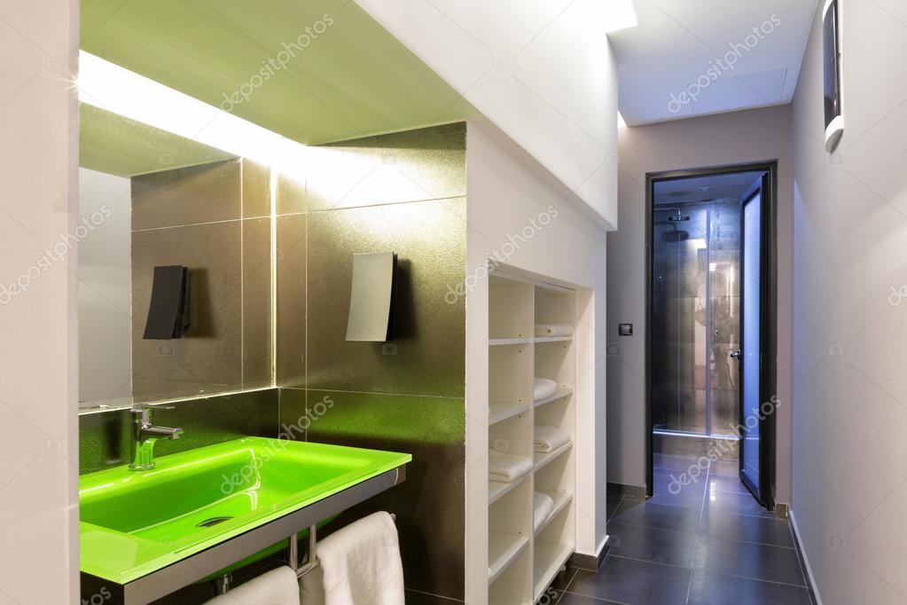 Modern douche kamer interieur u stockfoto rilueda