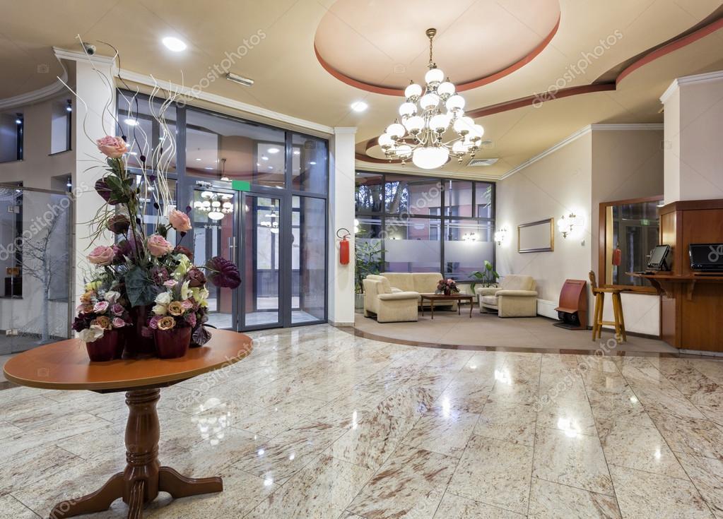 Modern hotel lobby stock photo rilueda 87932420 for Diseno de lobby de hoteles