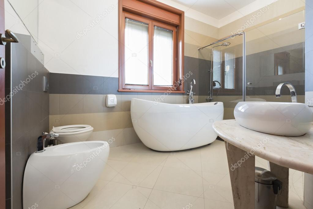 Interieur van een moderne badkamer u stockfoto rilueda