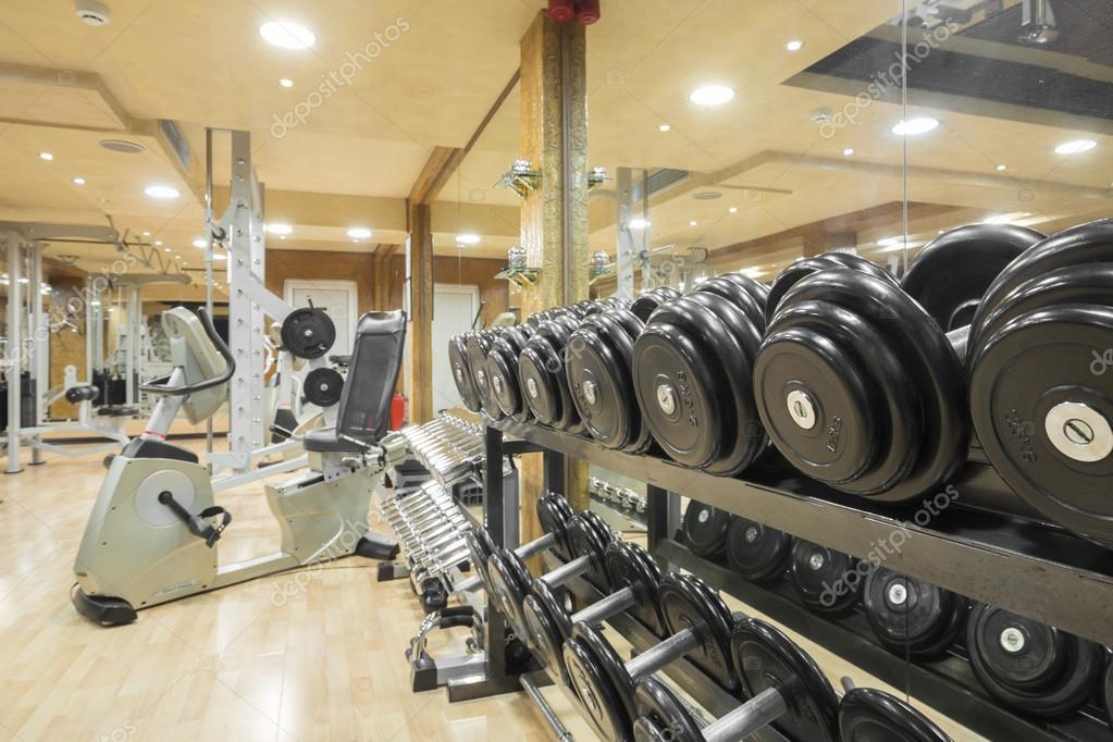 intérieur d\'une salle de sport moderne — Photographie rilueda ...