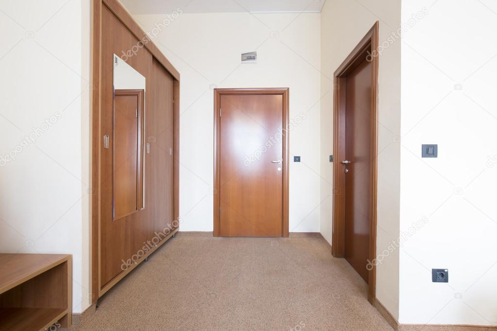 Entreehal in een hotelkamer u2014 stockfoto © rilueda #99745862