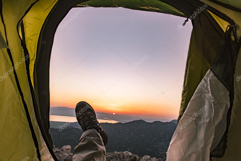 wait for the sunrise in tent camping
