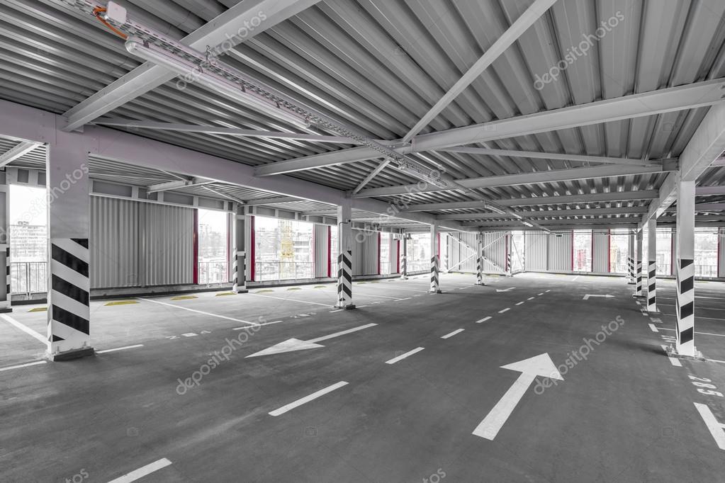 Spazio di parcheggio pubblico multi livello parcheggio for Piani di coperta multi livello
