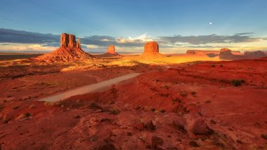 Monument Valley at sunset, Utah