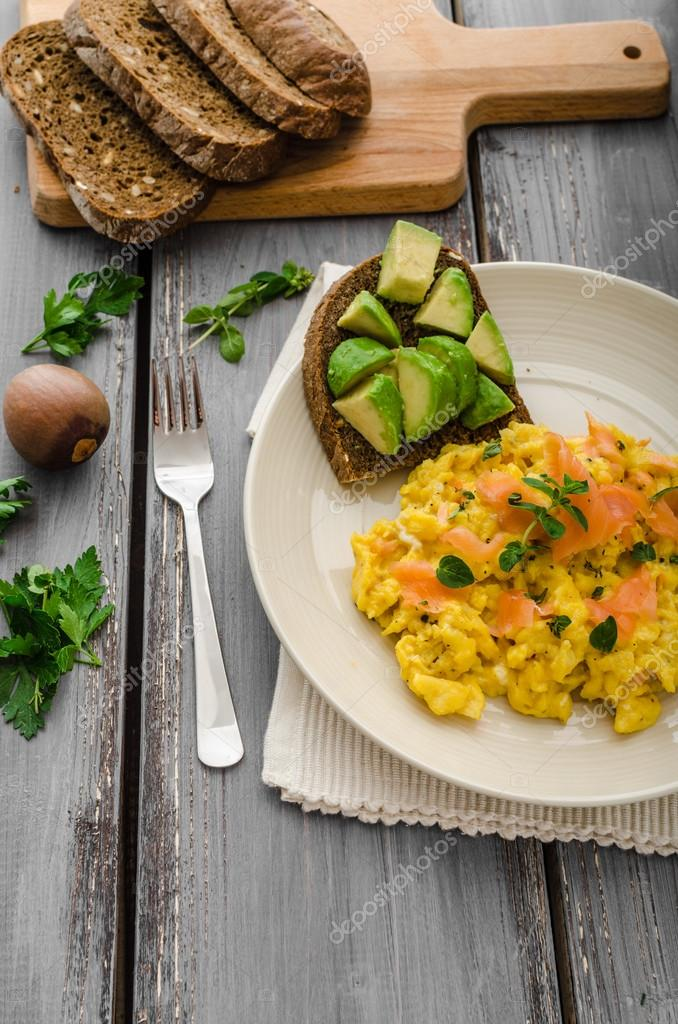 Scrambled Eggs With Smoked Salmon And Whole Wheat Toast Avocado Lemon Photo By Peteer