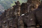 Photo The South gate of Angkor Thom, Demons and Angels bridge
