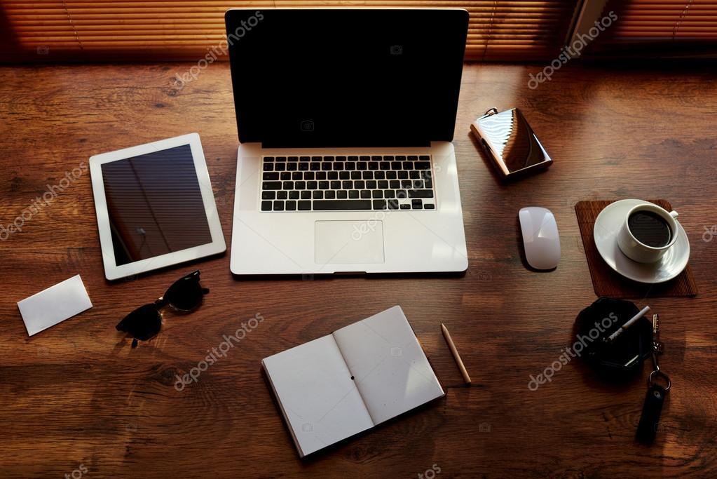 accessoires de bureau de personne d 39 affaires et des outils de travail photographie gaudilab. Black Bedroom Furniture Sets. Home Design Ideas