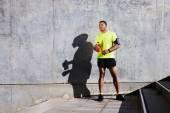 Fotografie männliche Jogger nahm Pause nach dem Training