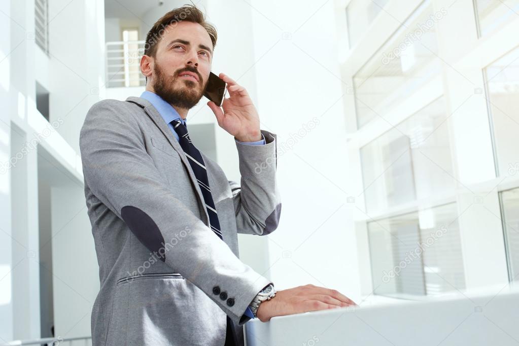 бизнесмен с телефоном картинка интересный рассказ имени