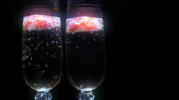 Champagner mit Erdbeere