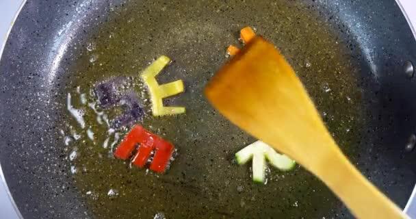 Osmahnutí zeleniny smíšené abeceda písmena, aplikace word slouží